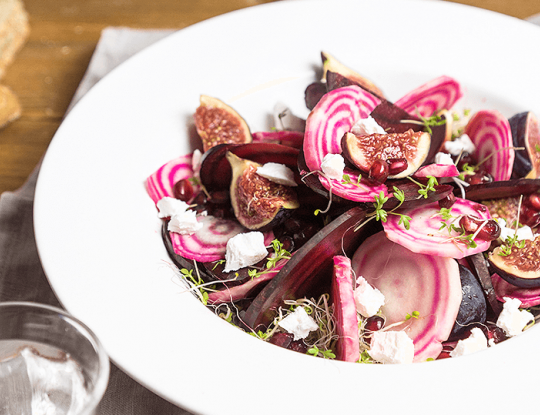 Salad with beets, figs, pomegranate and bettine goat cheese