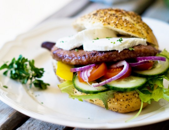 Burgers with bettine goat's cheese