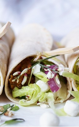 Wrap filled with Bettine goat's cheese pearls and falafel